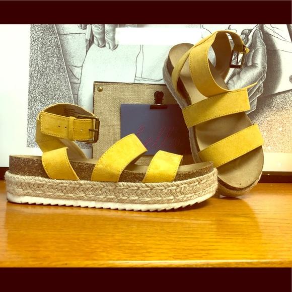 Yellow Universal Thread Sandals | Poshmark